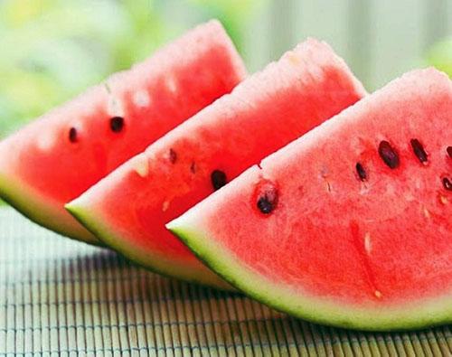 Beneficiile miraculoase ale pepenelui roşu, fructul-vedetă al verii