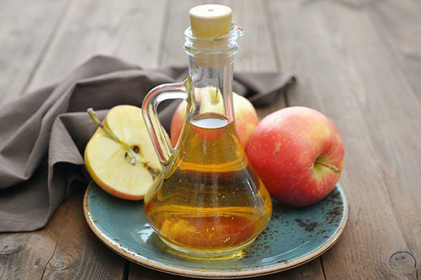 Apa cu otet de mere pentru par